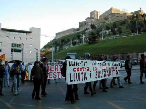 06.04.2003 Manifestació pels carrers  Lleida -  Altres