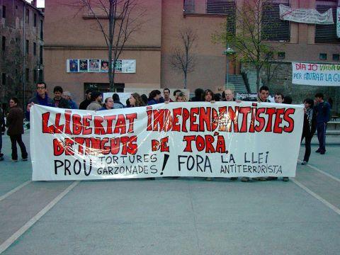 07.04.2003 Manifestació pels carrers  Manresa -  Altres