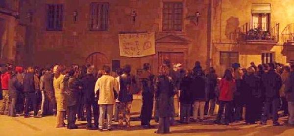 09.04.2003 Concentració diària en suport als familiars  Torà -  Ramon Sunyer