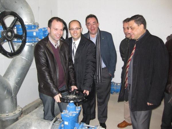 Xavier Casloliva junt amb altres autoritats inaugurant el dipòsit d'abastament d'aigua a la vall del Sió el 2009 - Torà
