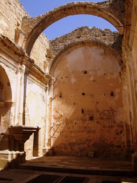 21.04.2010 Detall de l'església de Sant Pere  Vallferosa -  Lola Lucas
