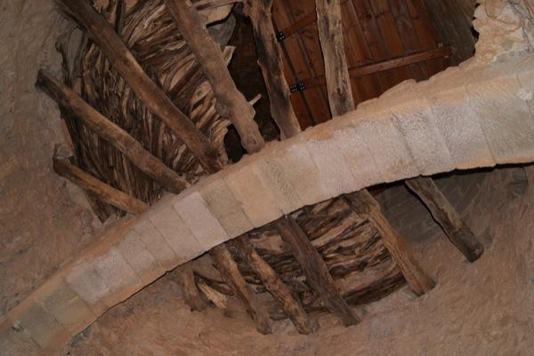 25.04.2010 Interior de la Torre de Vallferosa  Vallferosa -  teresa