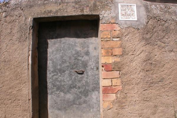 12.06.2010 Detall d'una porta   Torà -  Ramon Sunyer