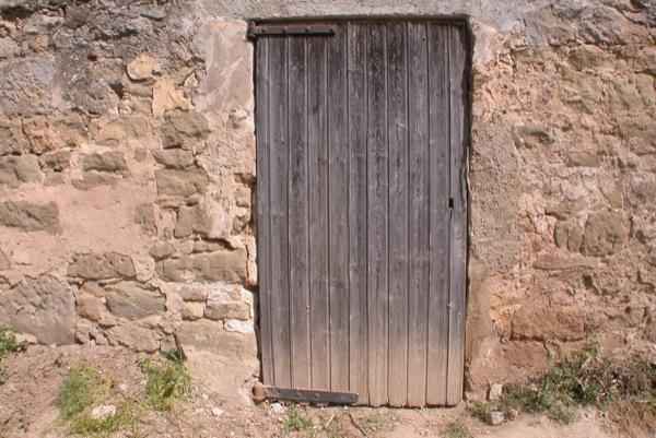 12.06.2010 No hi ha dues portes iguals   Torà -  Ramon Sunyer