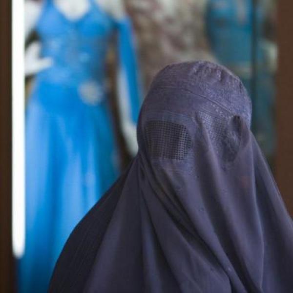 Dona amb vel Burka -