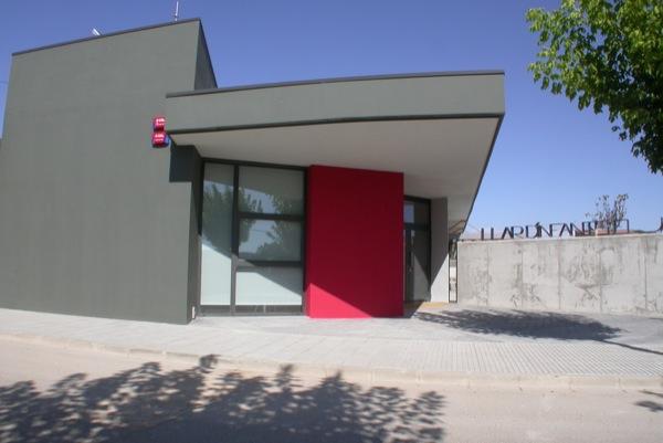 25.07.2010 Accés a la llar d'infants el Jardí            Torà -  Ramon Sunyer