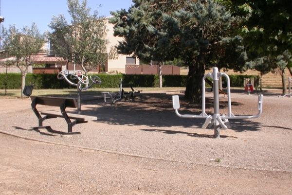 Parc detall dels aparells gimnàstics Foto: Ramon Sunyer - Torà