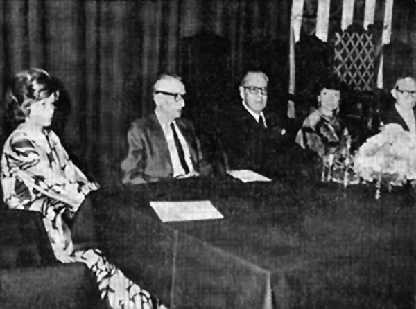 Jocs Florals de la Llengua Catalana 1973, celebrats a Mèxic. Part del Consistori: Francesca Domingo d'Ollé, Pere Foix, Pere Bosch Gimpera, Núria Parés i Agustí Cabruja. - Mèxic