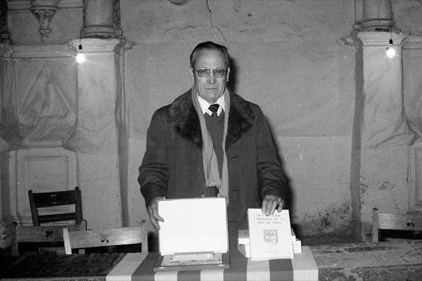 Jaume Coberó presentant el seu llibre 'Història civil i religiosa de la vila de Torà' - Torà
