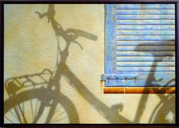 10.07.2010 Summertime: cycle beside ochre shutter  -