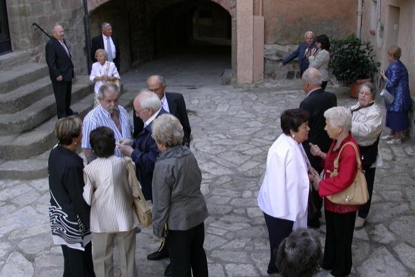 19.09.2010 Preparant per la foto  Torà -  Ramon Sunyer