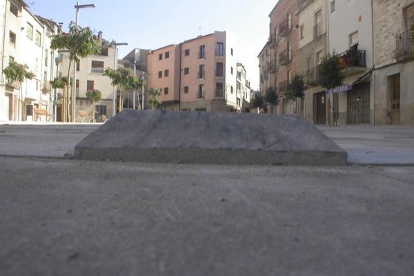 01.10.2010 Els adoquins conflictius, finalment han estat substituits  Torà -  Ramon Sunyer