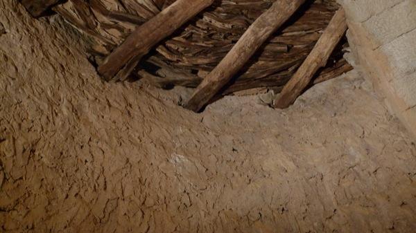 05.04.2010 Rebossat mur interior torre, i sostre romànic  Vallferosa -  Xavier Sunyer