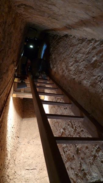 05.04.2010 Interior torre, escala accès als pis dels matacans.  Vallferosa -  Xavier Sunyer