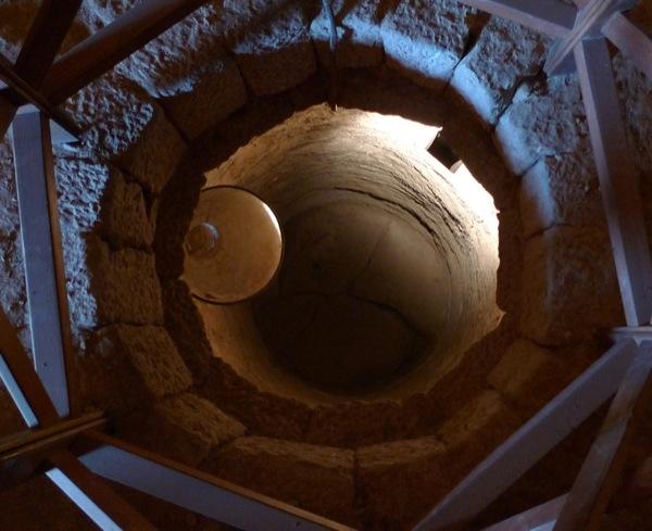 Interior torre. Aljub o cisterna. - Vallferosa
