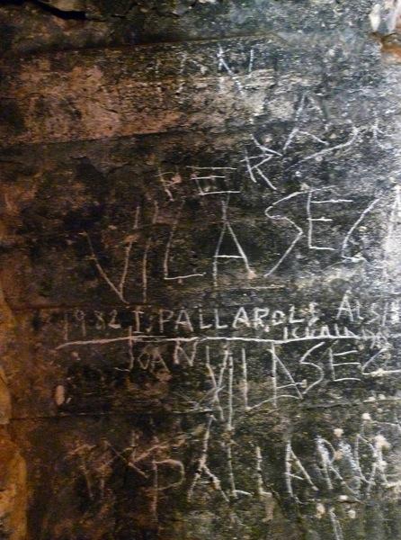 05.04.2010 Grafits interior torre  Vallferosa -  Xavier Sunyer