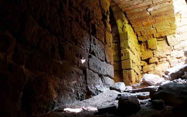 25.04.2010 Castell de Llanera. Interior. El sector més antic, anterior al XVI, és el més ben conservat.  Llanera -  Xavier Sunyer
