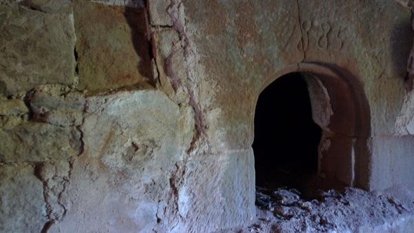 20.03.2007 Castell de Llanera. Antic forn de pa (1885) a l'interior del castell  Llanera -  Xavier Sunyer