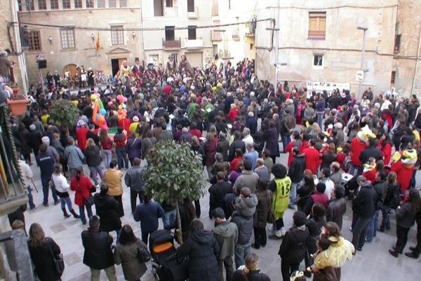 26.02.2011 el carnaval aplega força públic  Torà -  Ramon Sunyer