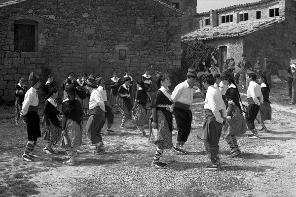 01.04.1980 El Ball de Cascavells  Ardèvol -  Ramon Sunyer