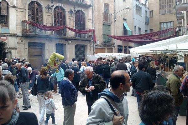 22.04.2011 vista de la plaça del pati  Torà -  Ramon Sunyer