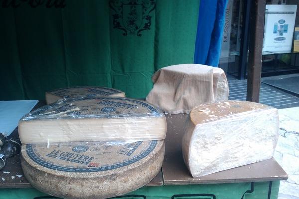 22.04.2011 4a Mostra de formatges artesans de la Catalunya central  Torà -  Ramon Sunyer