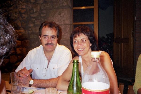 El Francesc i l'Anna en una revetlla a la plaça del Vall - Torà