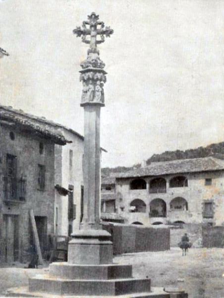 04.05.1919 Postal antiga de la plaça de la Creu  Torà -