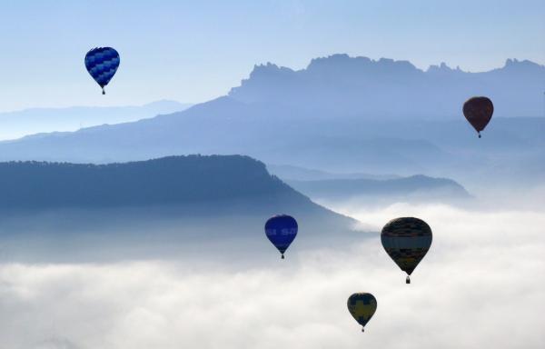 08.07.2008 Globus volant a Montserrat  Igualada -  Joan Felip