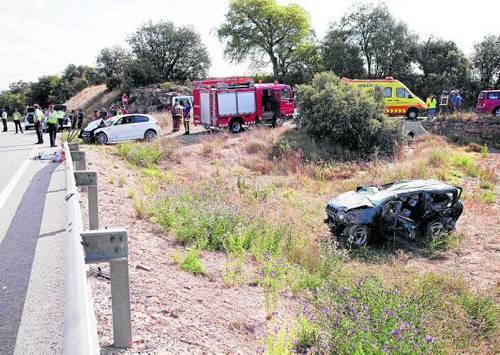 Els dos vehicles van sortir de la via com a conseqüència de la col·lisió - Massoteres
