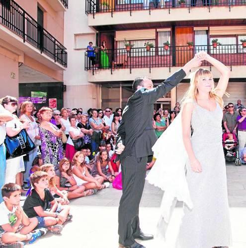 01.09.2011 Dansa dels priors i priores de sant Gil  Torà -  Xavi Santesmasses
