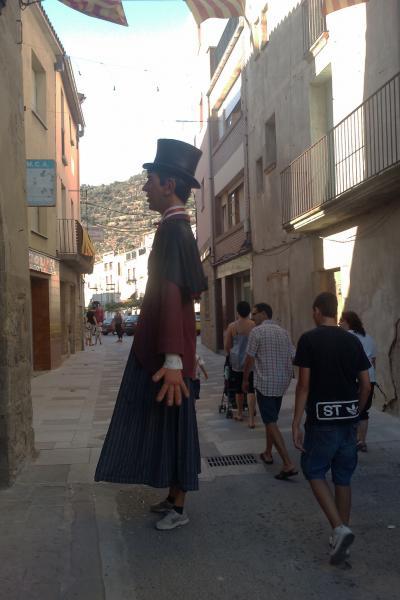 04.09.2011 El gegant observador  Torà -  Ramon Sunyer