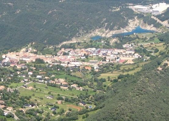 Els boscos envolten el poble - Sant Llorenç de Morunys