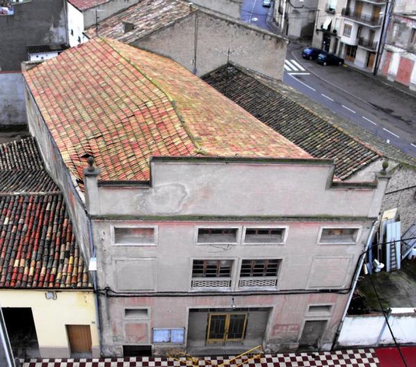 Detall de la teulada del casal - Torà