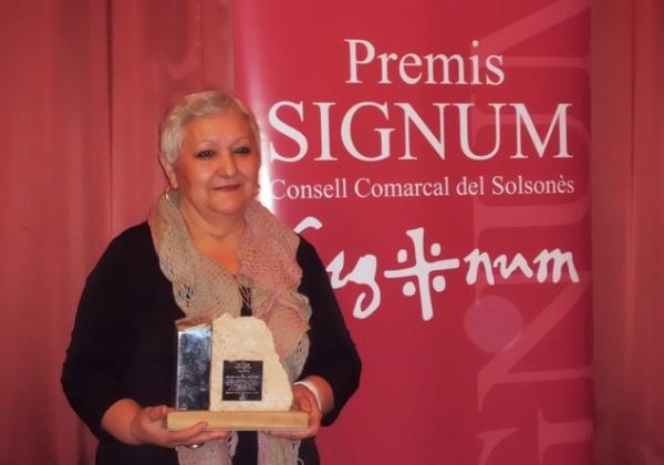 Glòria Padullés recollint el premi Signum