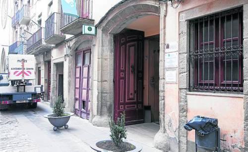Som segarra el consell comarcal de la segarra redueix un for Oficina de turisme