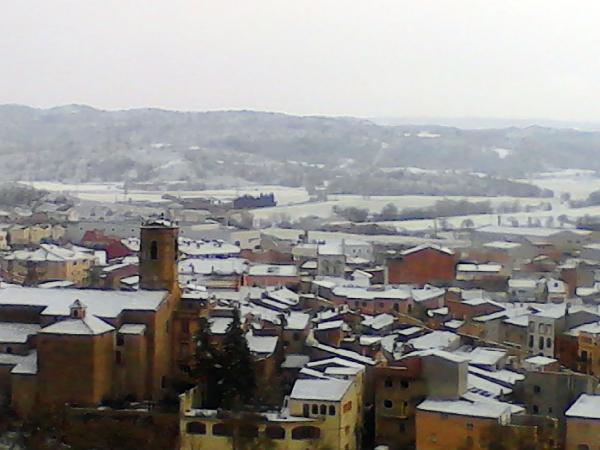 02.02.2012 vista dels poble des dels olivers  Torà -  àngela sunyer