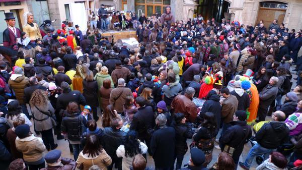 11.02.2012 La plaça del pati  Torà -  Xavi
