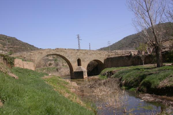 10.04.2012 El Pont de les Merites a la primavera  Torà -  Ramon Sunyer