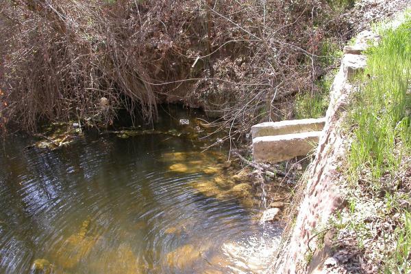10.04.2012 l'aigua de la Font va a parar al riu Llanera  Torà -  Ramon Sunyer