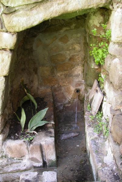 10.04.2012 Canalització de l'aigua de la Font  Torà -  Ramon Sunyer
