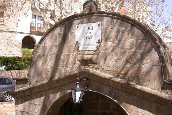 10.04.2012 Detall del frontal  Torà -  Ramon Sunyer