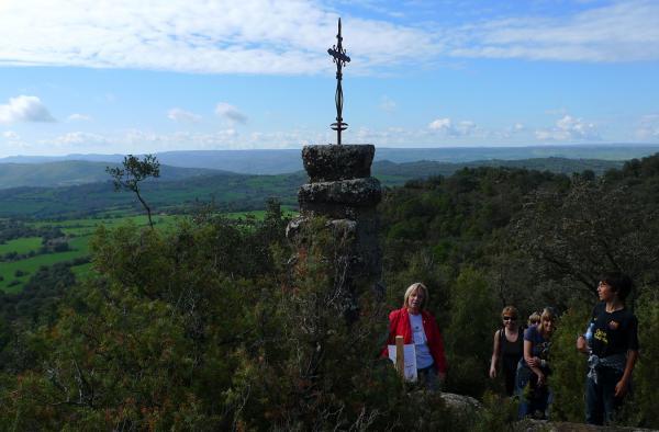29.04.2012 La creu al cim del Puig  Puigredon -  Xavi