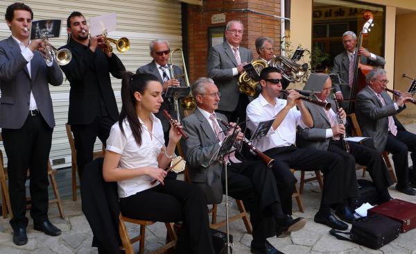 06.05.2012 Les sardanes tanquen la festa  Torà -  Xavi