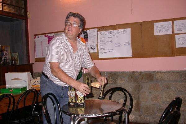 02.09.2012 Preparant els trofeus, enguany hi ha participat 20 parelles  Torà -  Ramon Sunyer