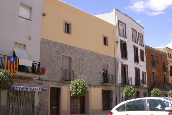 02.09.2012 La nova façana de la rectoria  Torà -  Ramon Sunyer