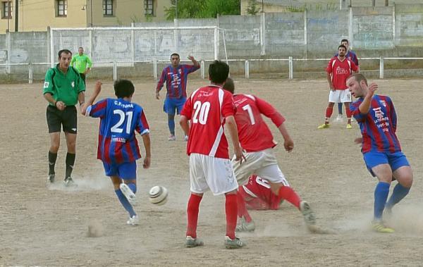 02.09.2012 Futbol Sanaüja-Torà. L'equip local ha estat molt renovat  Torà -  Xavi