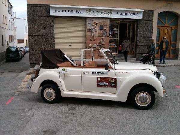 30.03.2013 Cotxes per a festes i clebracions  Torà -  Ramon Sunyer