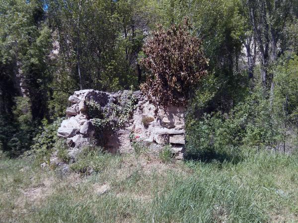 05.05.2013 Resta d'un passat en què el riu era més present  Torà -  Ramon Sunyer