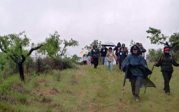 28.04.2013 La pluja acompanyarà tota la caminada  Torà -  Xavi